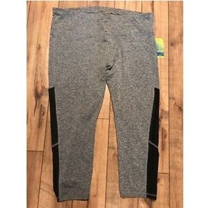 Spalding 2x gray capri active leggings.